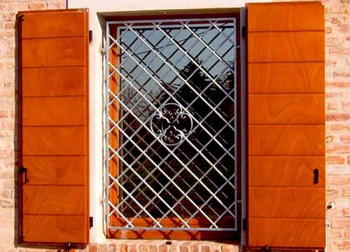 Foto cancelli di sicurezza | Lavoro realizzato a Novara