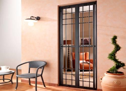 Cancello di sicurezza per appartamento in provincia di Alessandria
