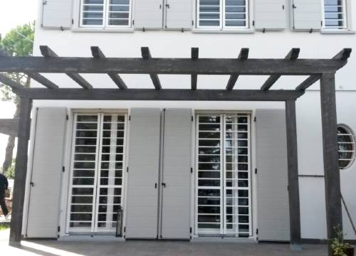 Cancello di sicurezza per appartamento in provincia di Lecco