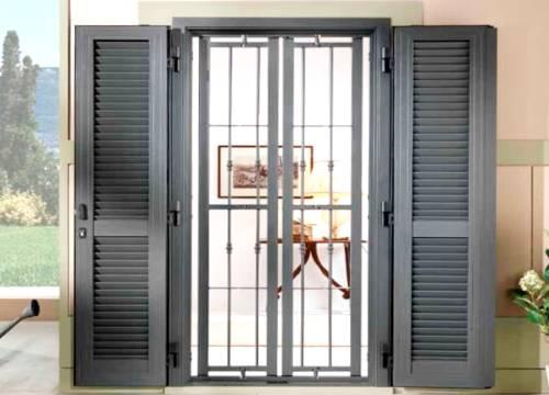 Cancello di sicurezza per appartamento in provincia di Monza