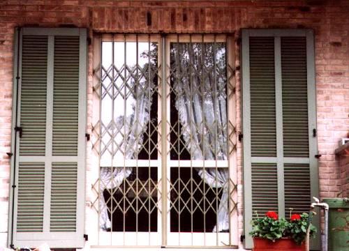 Cancello di sicurezza per appartamento in provincia di Sondrio