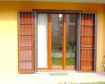 Installazione grate di sicurezza in una casa a Verbano-Cusio-Ossola