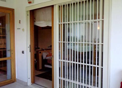 Foto grate di sicurezza scorrevoli   Lavoro realizzato a Verbano-Cusio-Ossola