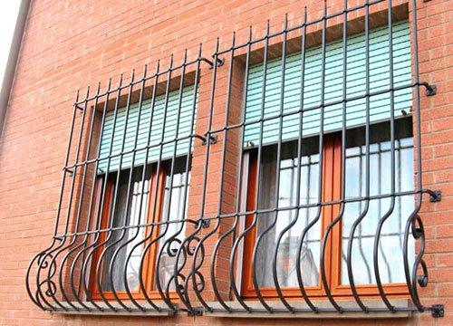Inferriate di sicurezza per appartamento in provincia di Cuneo