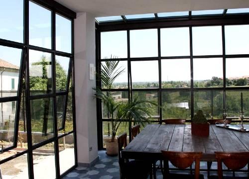 Infissi in acciaio per appartamento in provincia di Como